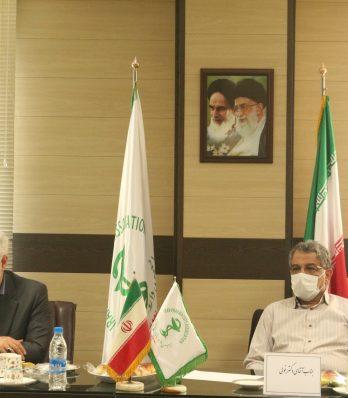 """اولین نشست بررسی """"مشکلات جاری داروسازی در کشور"""" در انجمن داروسازان تهران برگزار شد"""